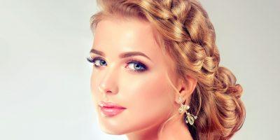 Dania-mujer-pelo-largo-recogido